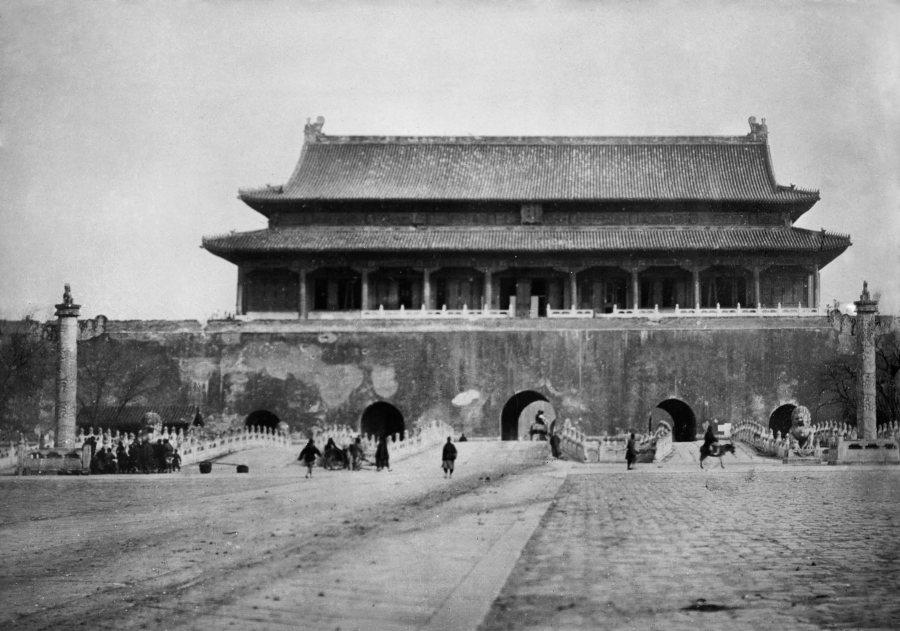 Tiananmen w 1900 roku.