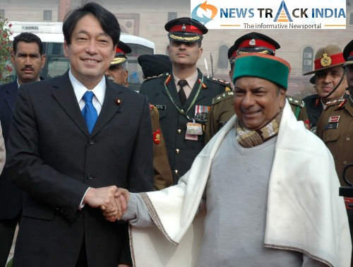 7752.Defense-minister-AK-Antony-welcomes-Japan-Defense-Minister-Itsunori-Onodera