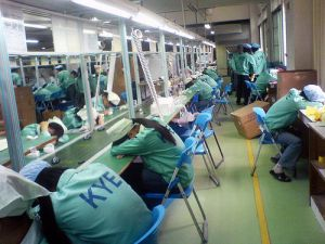 chinese_factory_slaves_640_12