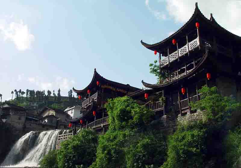 7. Diaojiaolou (吊脚楼), or stilted houses, are special residences for Tujia, Miao, Buyi and Dong ethnic groups in Hunan, Guizhou, Guangxi and other regions. Sitting high above ground, the design is meant to avoid insects and animals