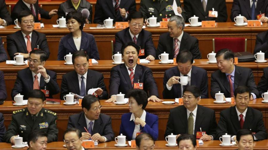 chinese-official-yawning-web1