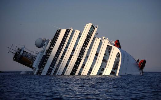 sinking-cruise-ship