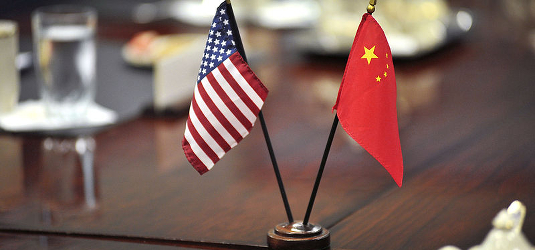 US_China_flags_image_wikimedia_commons