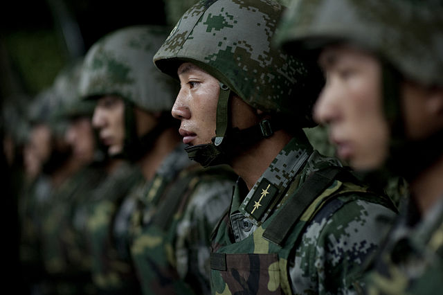 640px-Soldiers_of_the_Chinese_People's_Liberation_Army_-_2011