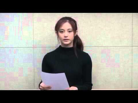 Chou Tzu-Yyu ubrana na czarno, jak prawdziwa pokutnica, odczytała list z przeprosinami także na Youtube.