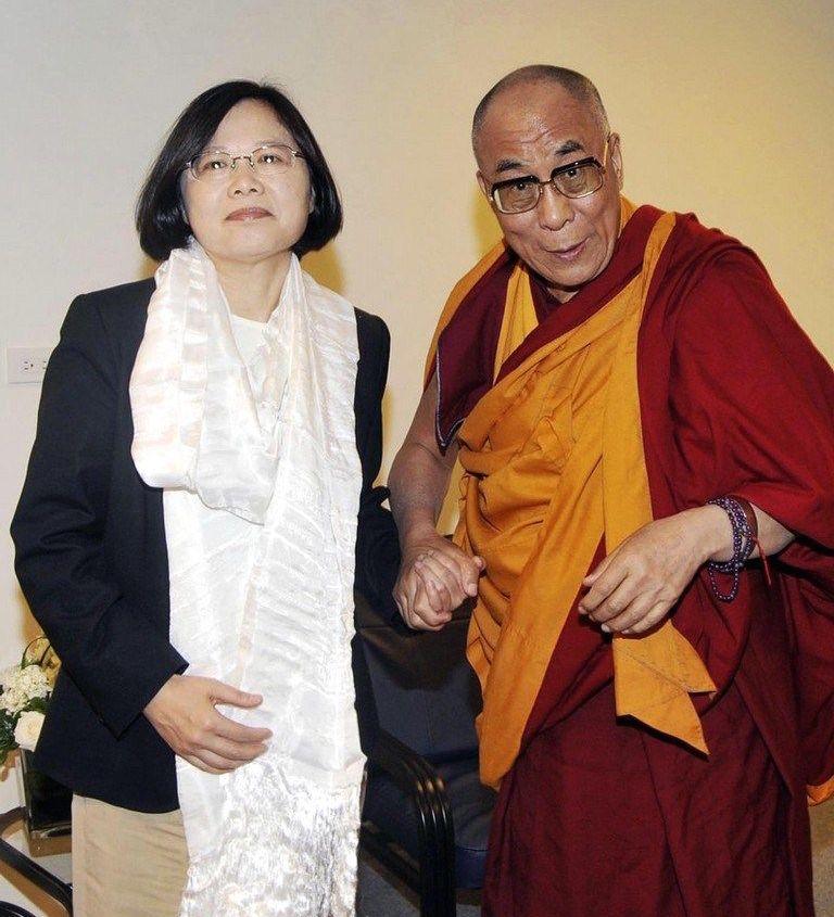 taiwan-president-tsai-ing-wen-dalai-lama-v2-cropped